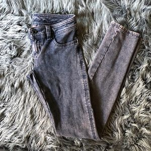 PRE LOVED GUESS purple stretchy skinny jeans